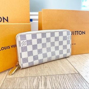 ✨ZIPPY WALLET✨Authentic Louis Vuitton Damier Azur!